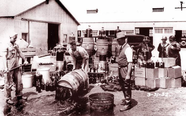 изъятие незаконного алкоголя в штате Каролина 1932
