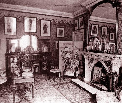 комната дома с привидениями