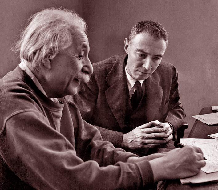 альберт эйнштейн и роберт оппенгеймер