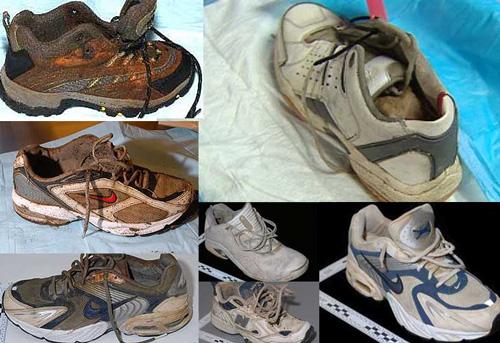 модели кросовок и найденные человеческие ступни