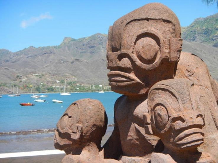 Статуи острова Нуку-Хива