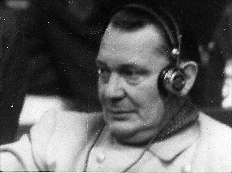 Герингг слушает выступление обвинения