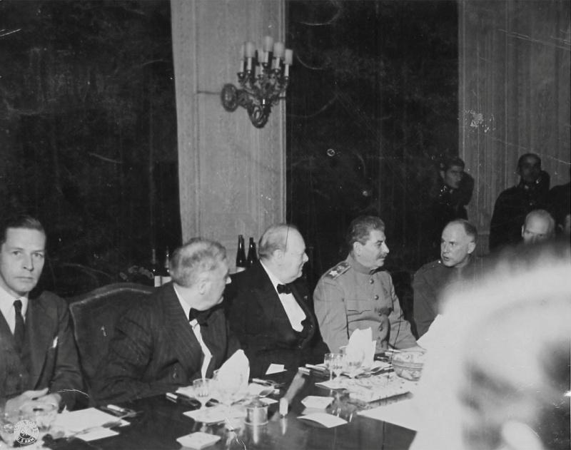 Тегеран 1943г. За столом переговоров