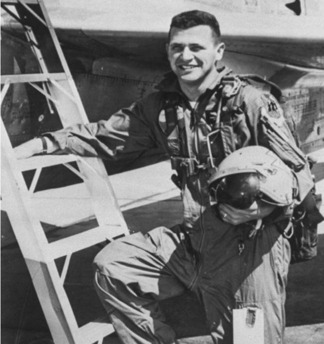 Гэри Пауэрс во время прохождения летной подготовки. 1956 г