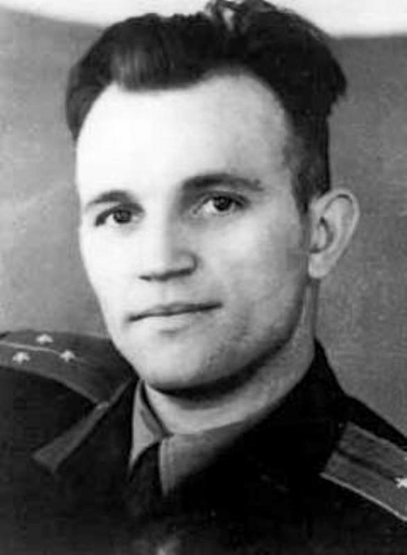 Летчик-истребитель С. Сафронов