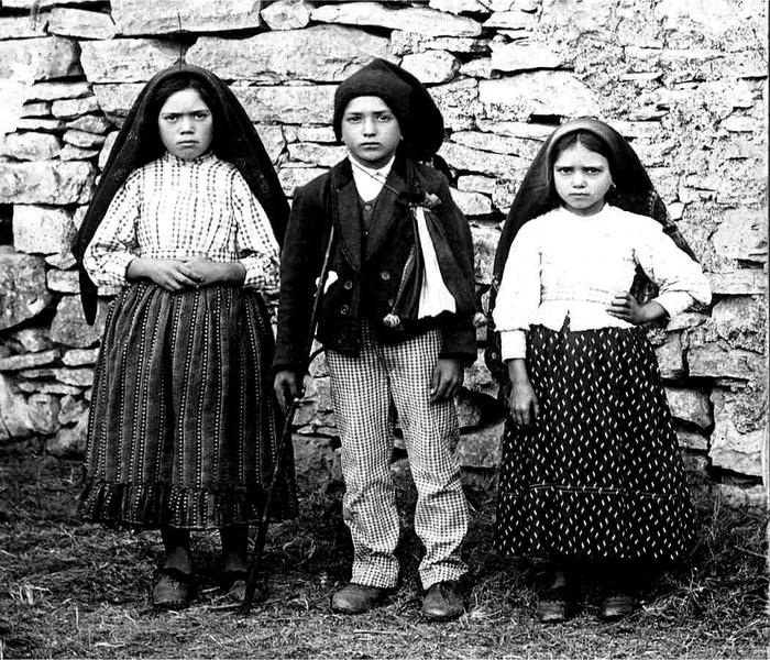 Дети, которым являлась Богородица в Фатиме