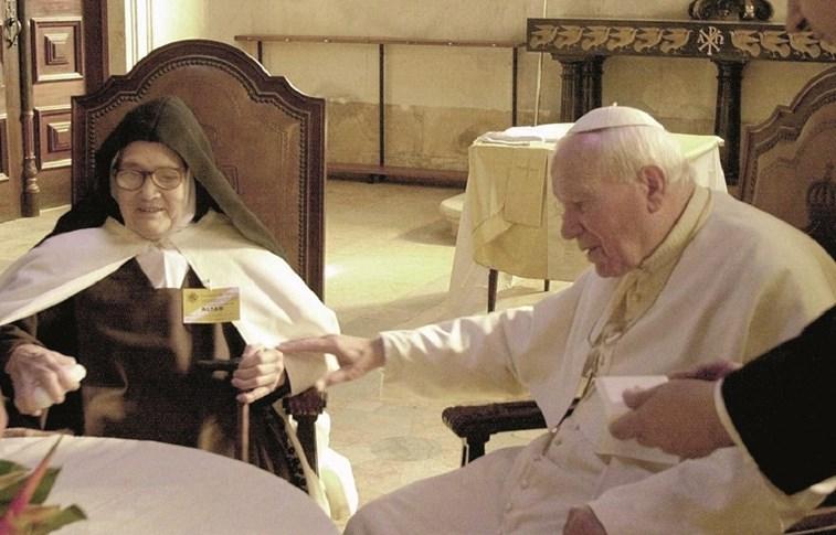 Люсия из Фатимы (Люсия душ Сантуш) И Папа Римский