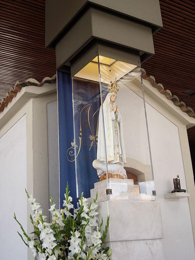 Статуя Матери Божьей Фатимской