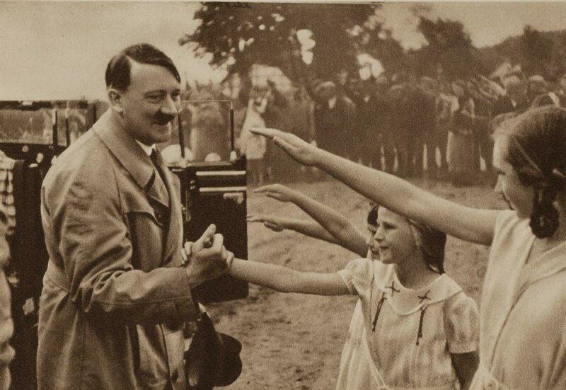 Гитлер и дети