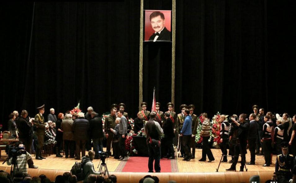 Похороны Александра Тихановича. Прощание.