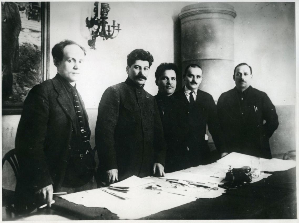 Сталин с соратниками
