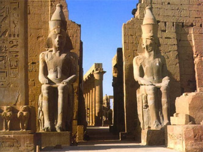 Вход в храм Амон Ра в Луксоре