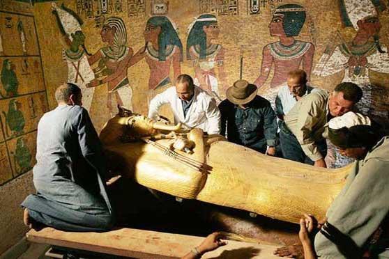 Говард Картер и группа исследователей Гробницы Тутанхамона