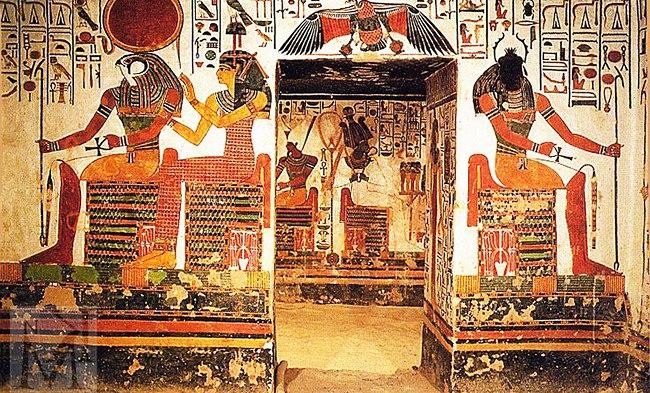 Фрестки в гробнице царицы Нефертари