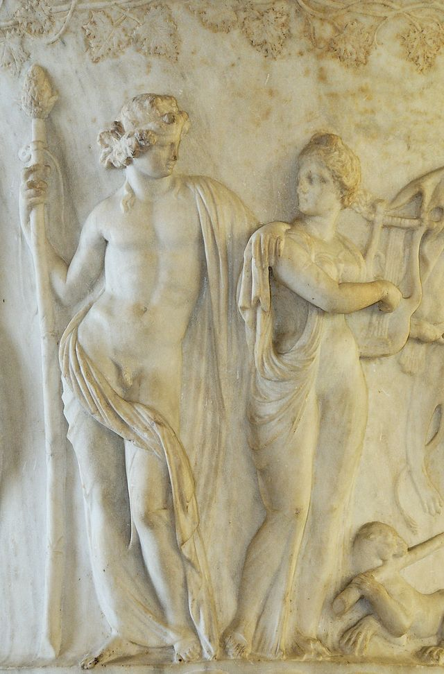 Дионис и Ариадна. Барельеф