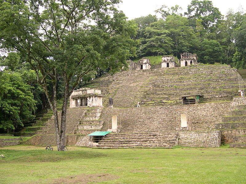 Некрополь древнего города майя Бонампак