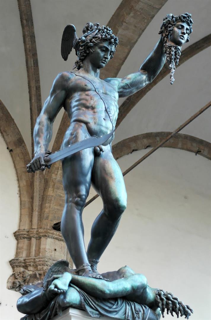 Персей, победивший Горгону. Скульптура Бенвенуто Челлини, 17 век