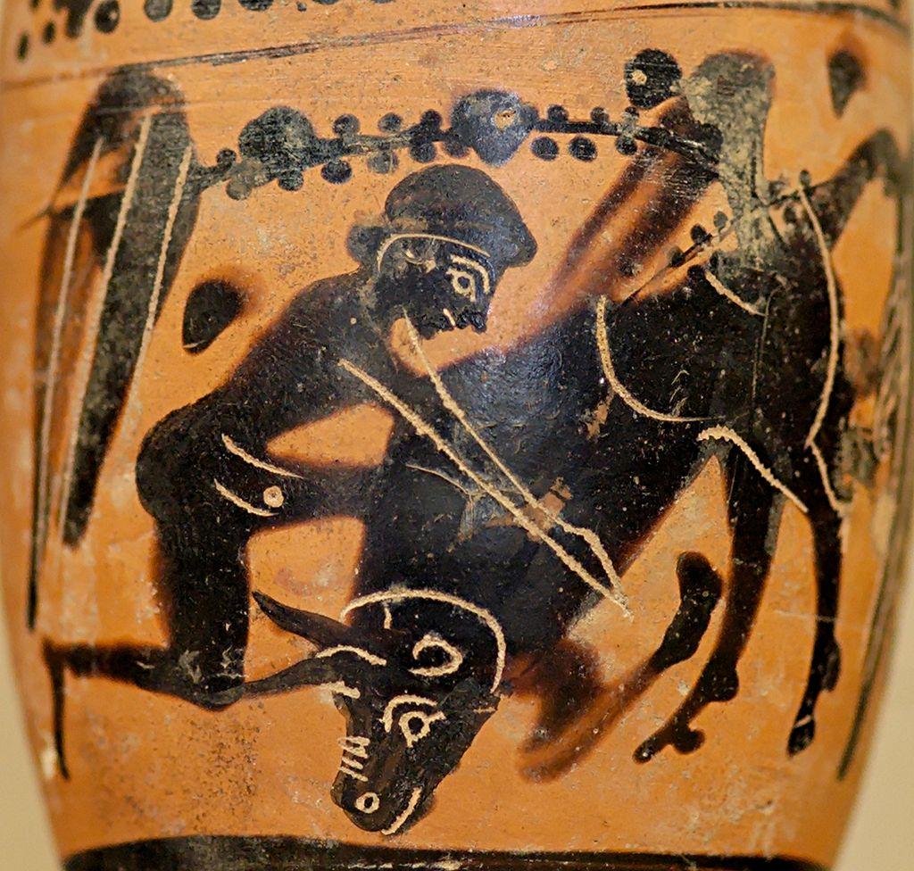 Укрощение Критского быка. Изображение на древнем сосуде