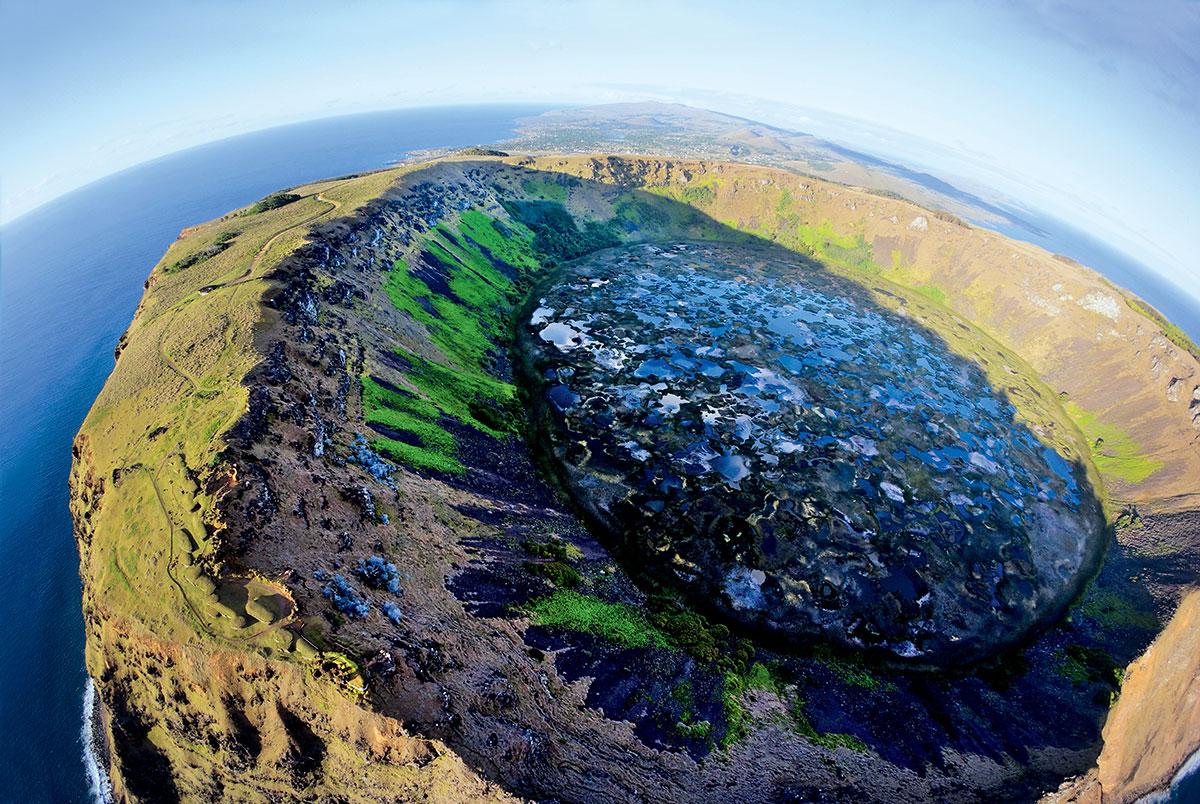 Остров Пасхи: где он находится и чем интересен туристам?