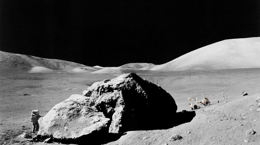 НЛО на Луне доказательства