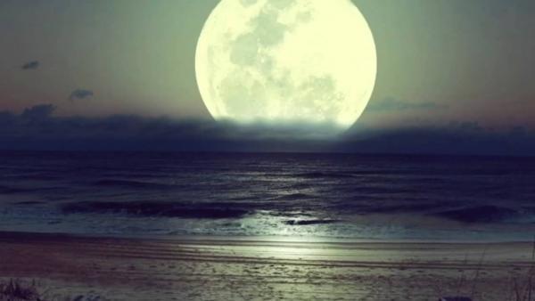 Почему мы всегда видим только одну сторону Луны